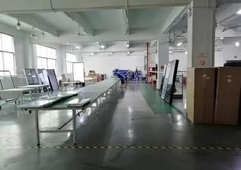 观澜楼上精装修厂房2400平20元,大气前台,办公室豪华装修图片1
