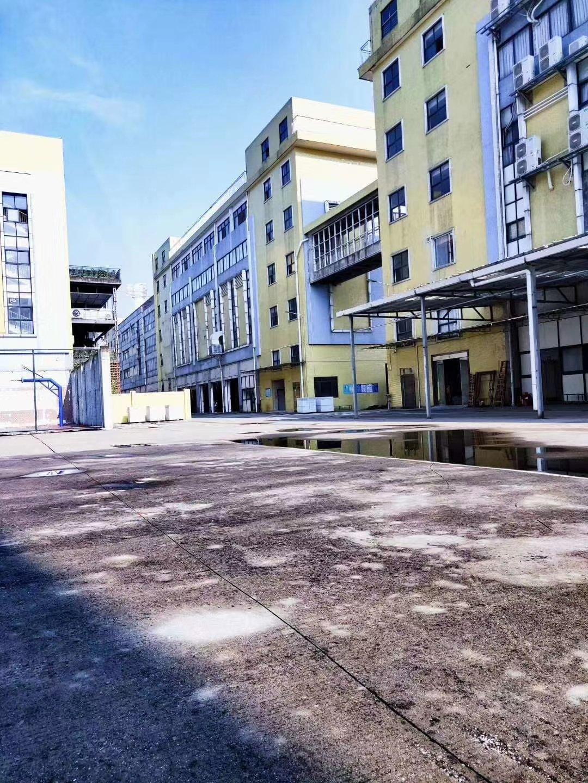 钟村独院11700方厂房,证件齐全,可分租,带二次消防