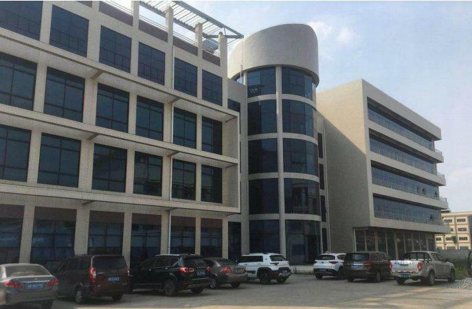 惠东县吉隆红本独门独院厂房出售。占地面积40000平米,建筑