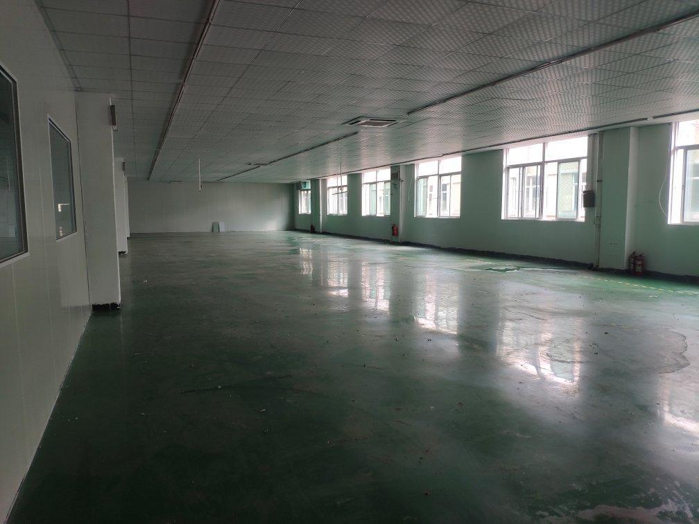 仲恺平南高速公路口附近大型工业园区分租楼上全新装修好厂房招租