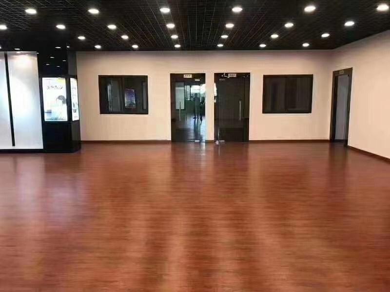 顺德区容桂华口标准万博app官方下载四楼500方带精装修办公室