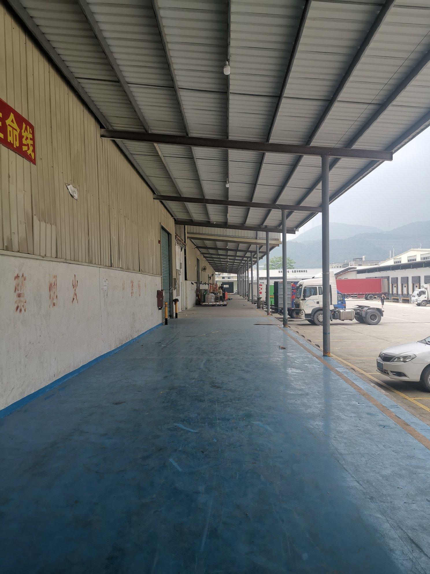 盐田港附近新出层高8米带卸货平台标准物流仓库