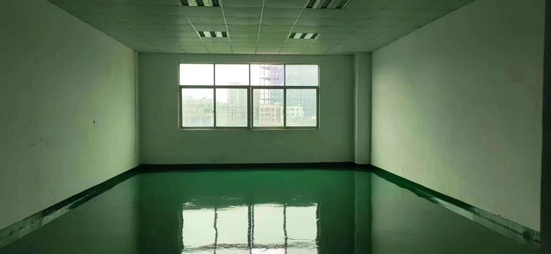 龙华区观澜主干道边楼上一整层标准厂房招租。
