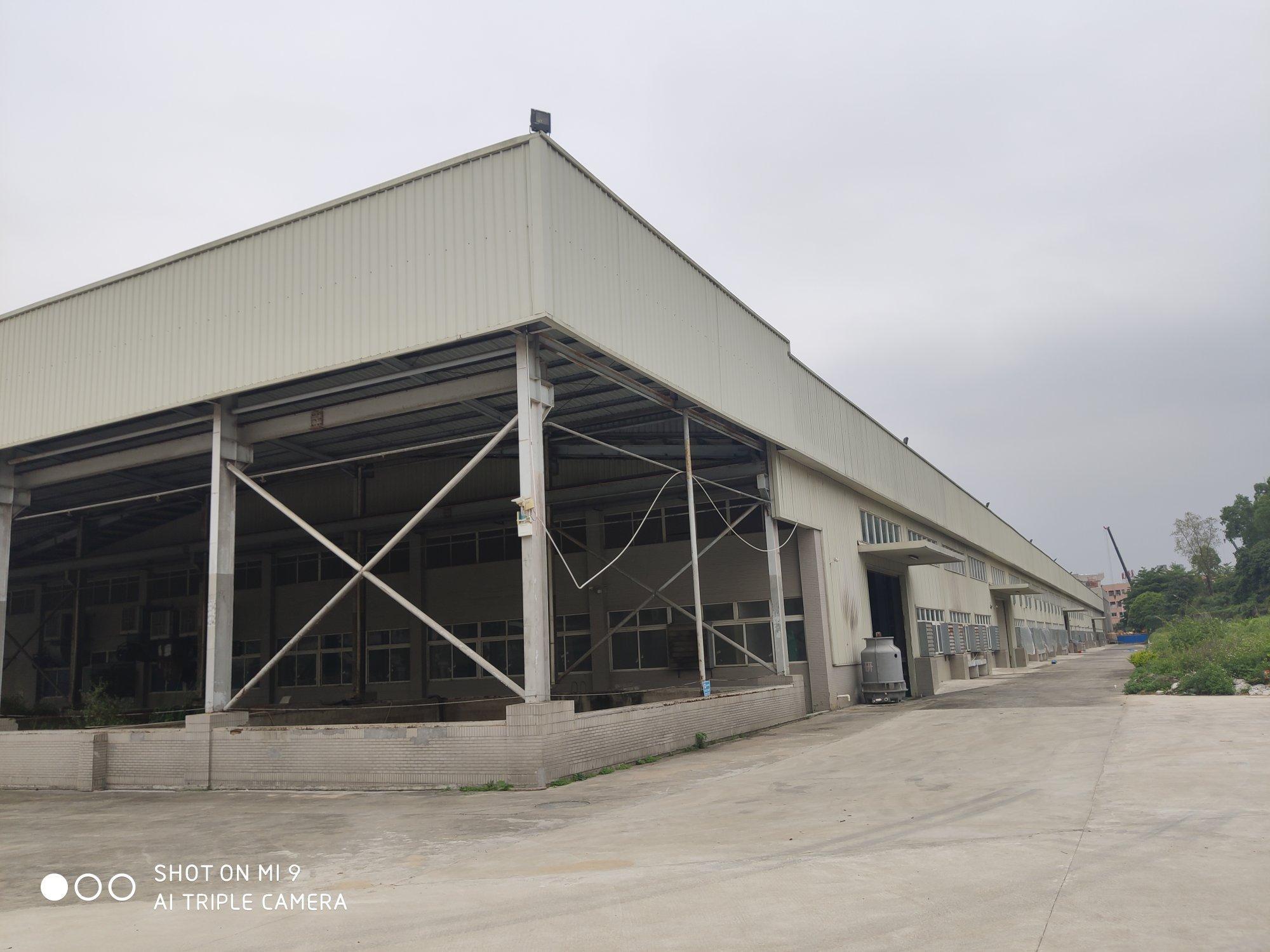 长安国道附近大空地钢构仓库