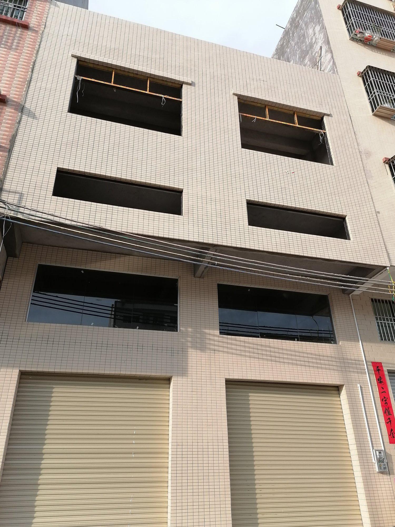 惠东大岭新出小型标准厂房,位置好,交通方便,可进大车。