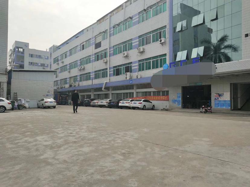 黄江镇北岸村新出带精装修楼上2450平原房东出租正规工业用地
