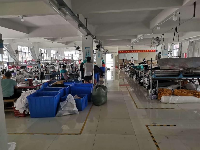南村镇服装厂房1230平米出租