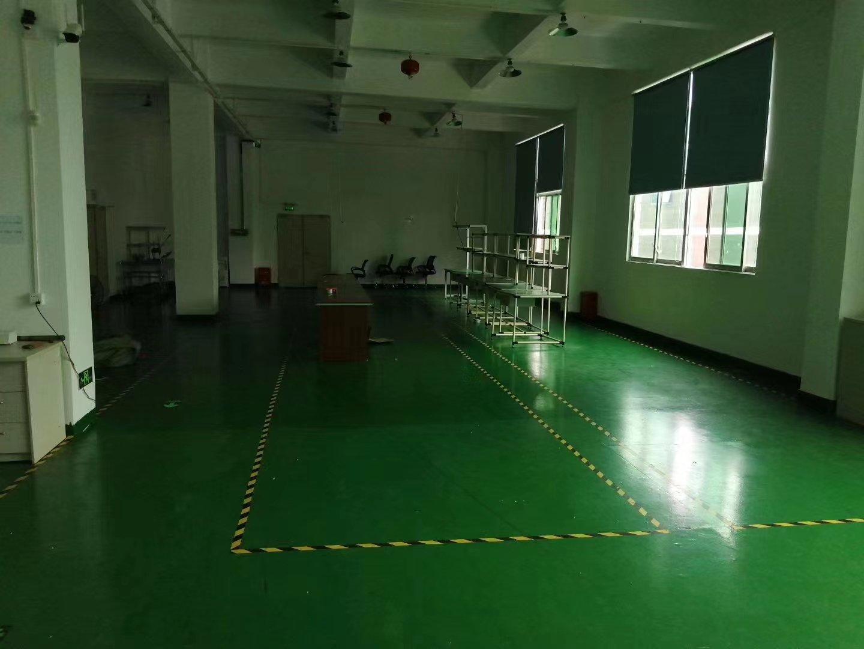 龙华汽车站附近1400平精装修,带车间+仓库没有转让费。