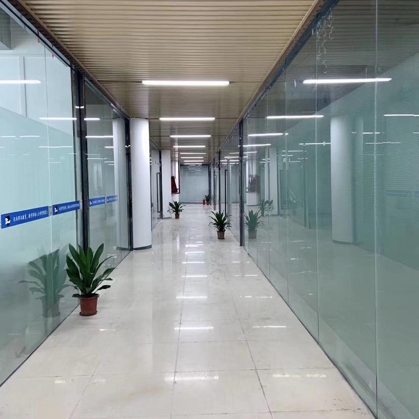深圳地铁站附近写字楼大小都有,精装修大开间采光好交通方便