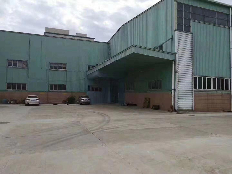滴水12米高度! 钢构10000平方,现成水电、办公室装修。