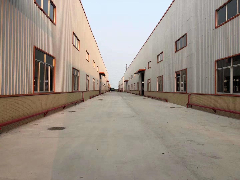 佛山市高明明城工业区单一层全新钢构9500平方出租。