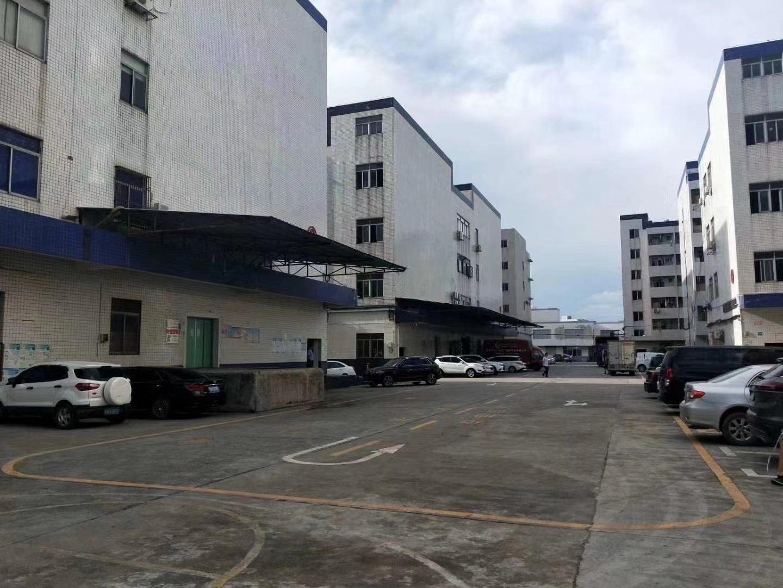 观澜新田地铁口附近一楼带专业卸货平优质仓库厂房980平