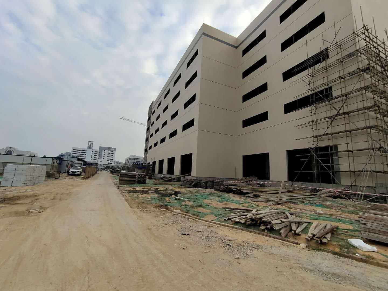 广州市黄埔开发东区时代城旁16000平标准厂房出租