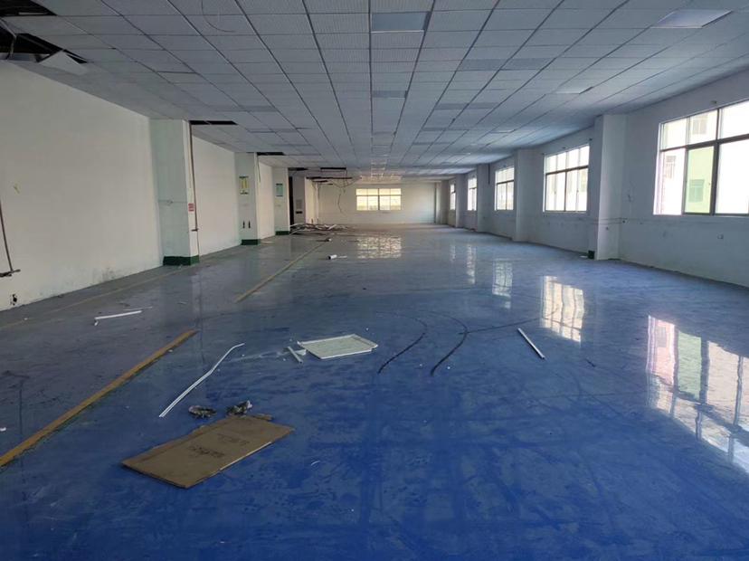 惠阳秋长,工业园厂房,楼上700平米,3吨电梯,可做污染行业