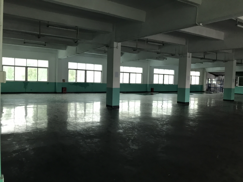 福民附近一厂房出售!面积1400平方米.