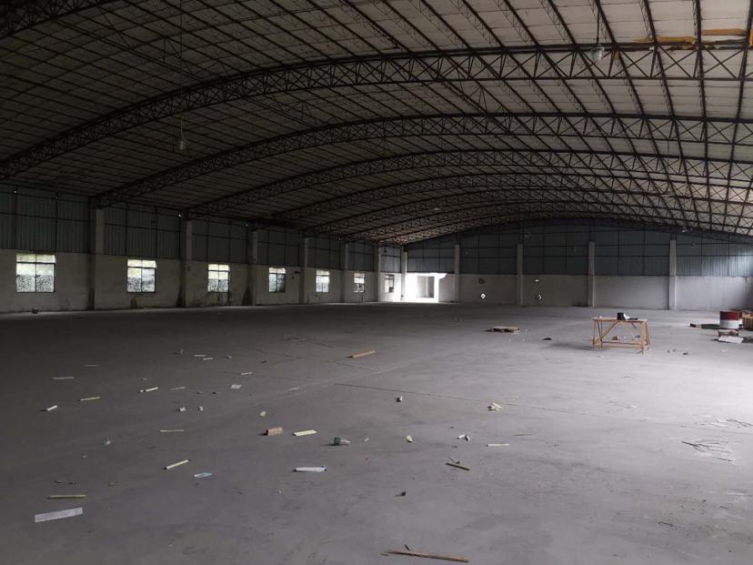 厂房位于主干道旁距离高速路口3公里楼层高
