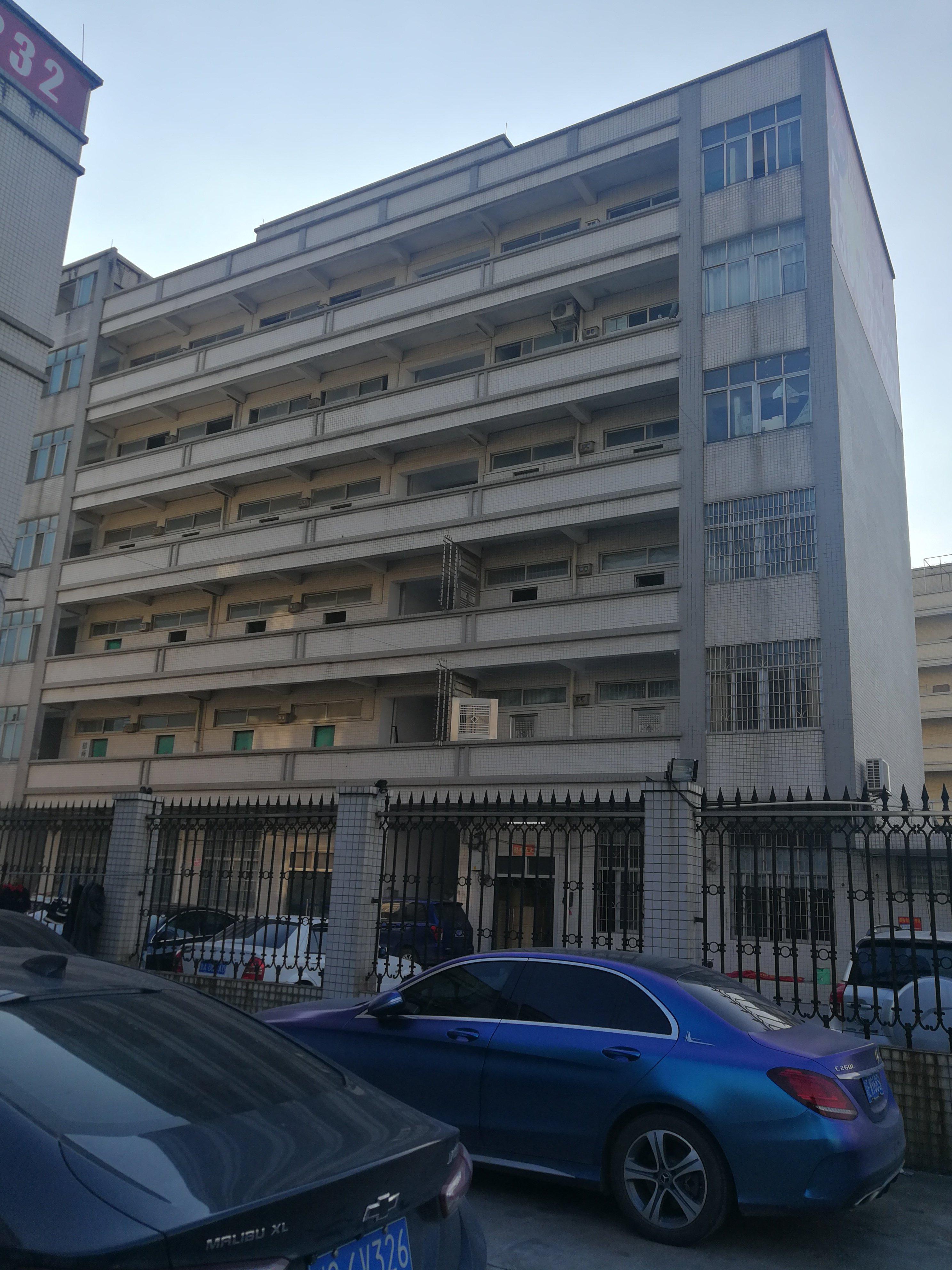 广州增城新塘国道边位置佳建筑7400平临街厂房出售形象好