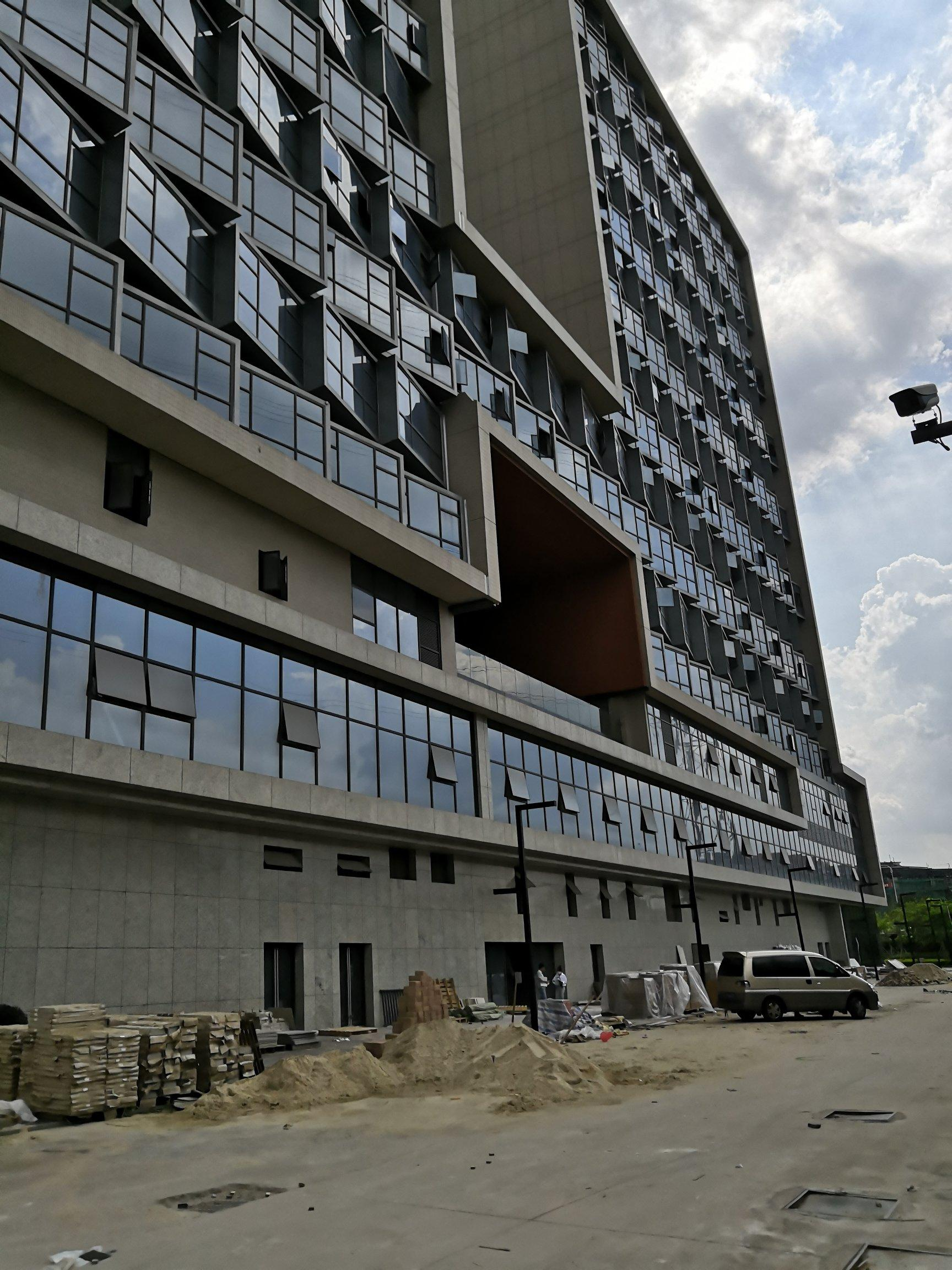 独立红本整层1200平方厂房出售