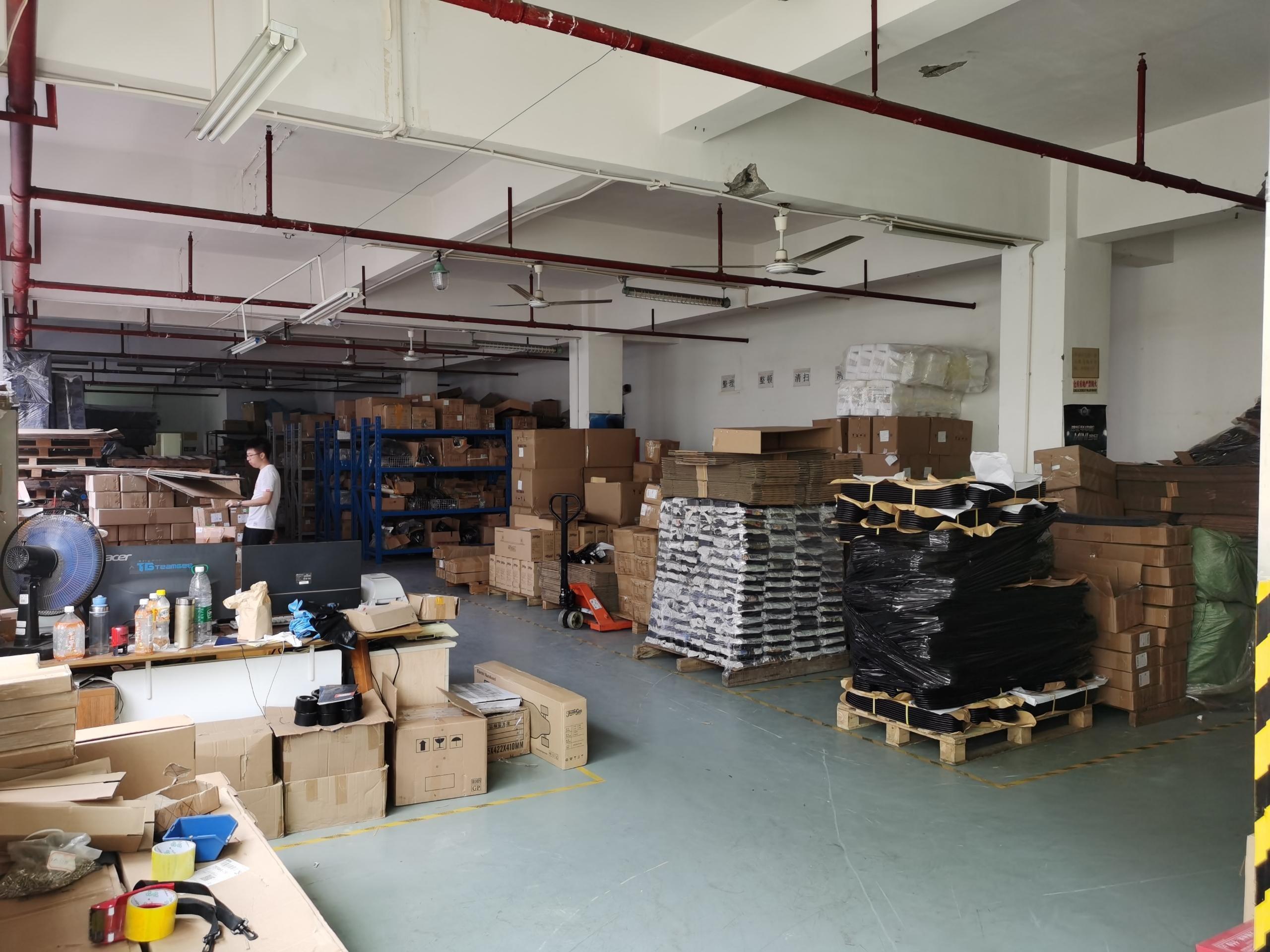 石岩村委1060一楼厂房仓库出租带卸货平台