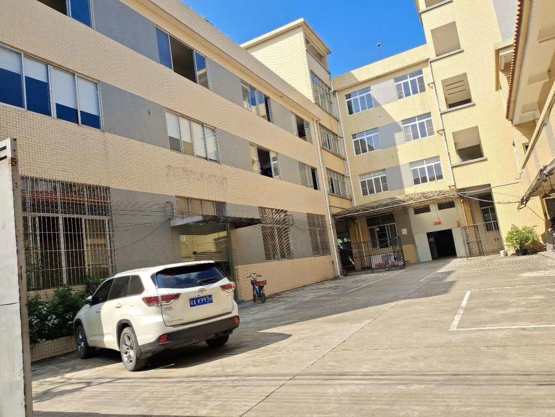 番禺区大石新出标准厂房二楼2300平方出租