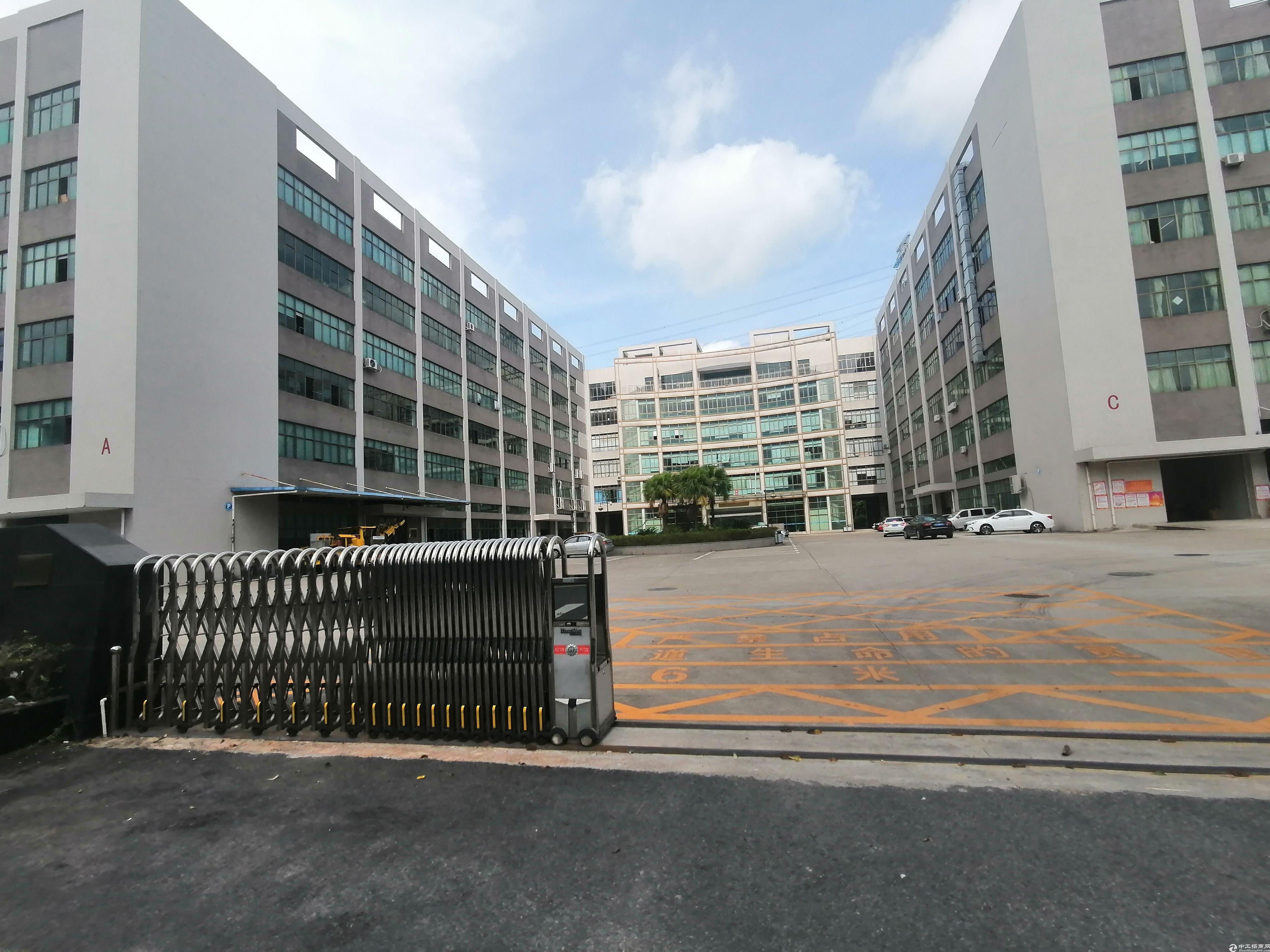 光明高新区楼上4000平精装修厂房出租带红本可办环评