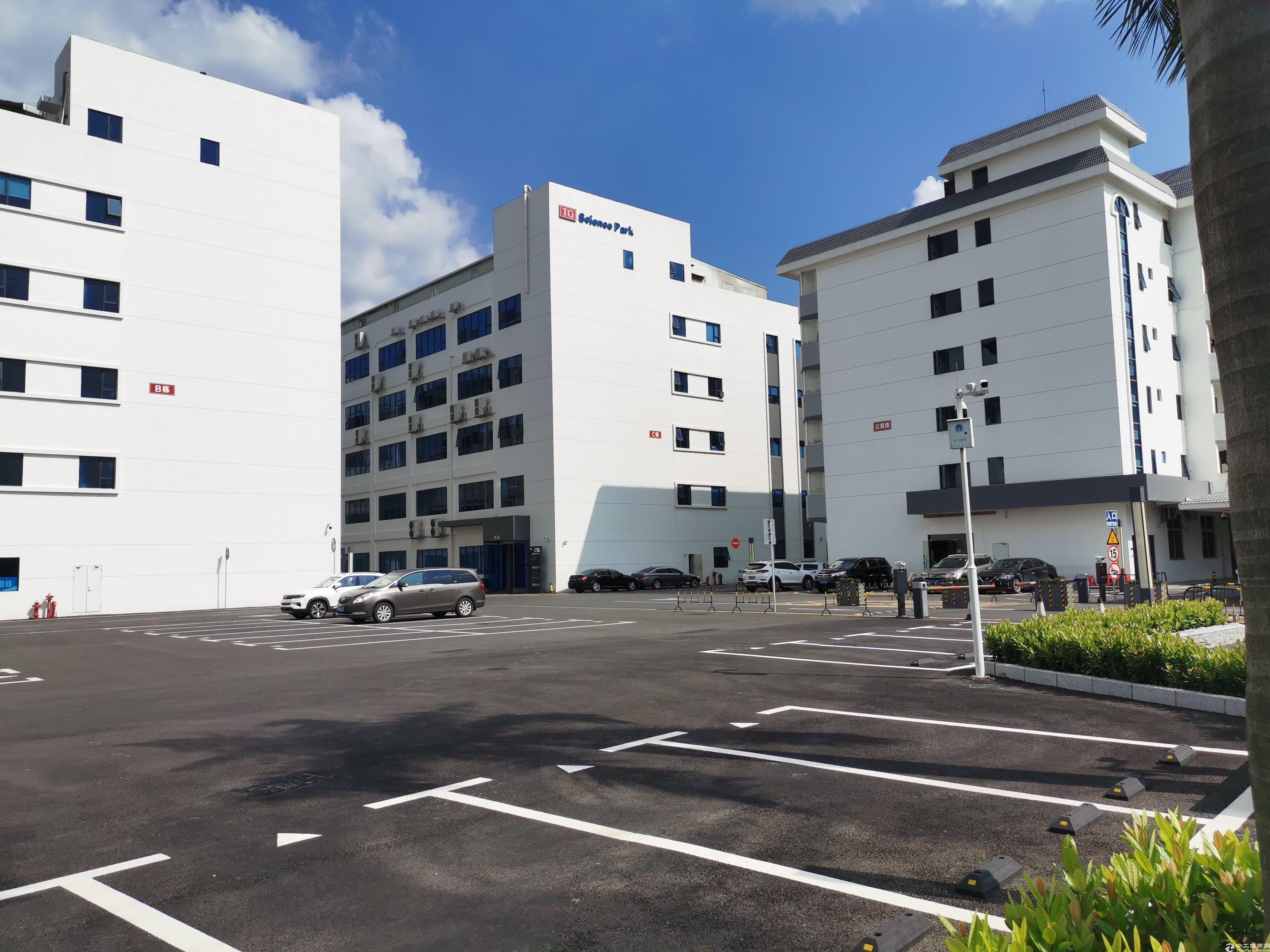 石岩塘头高新技术园整层3279平方厂房,可以分租,可申请补贴