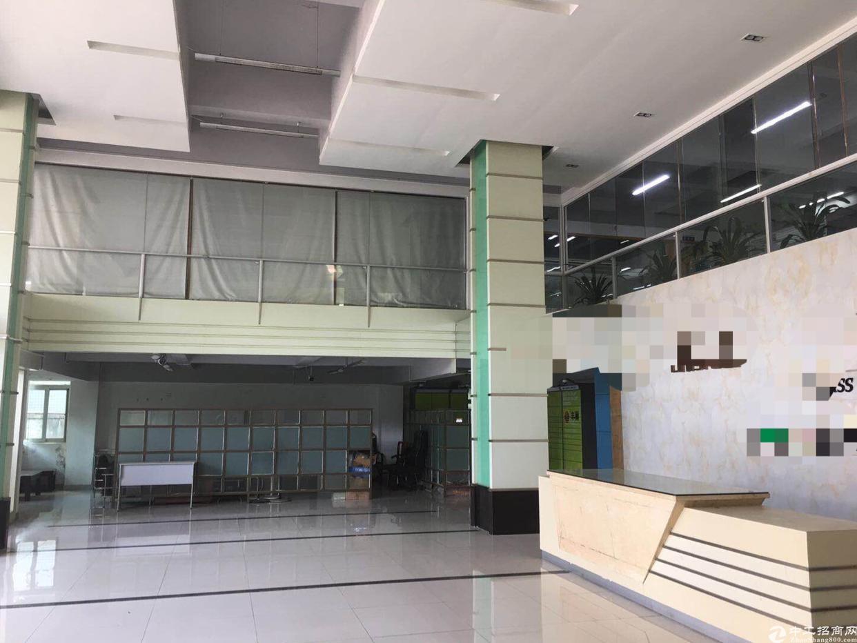 石岩水田高速路口原房东楼上3500平厂房出租,精装修,