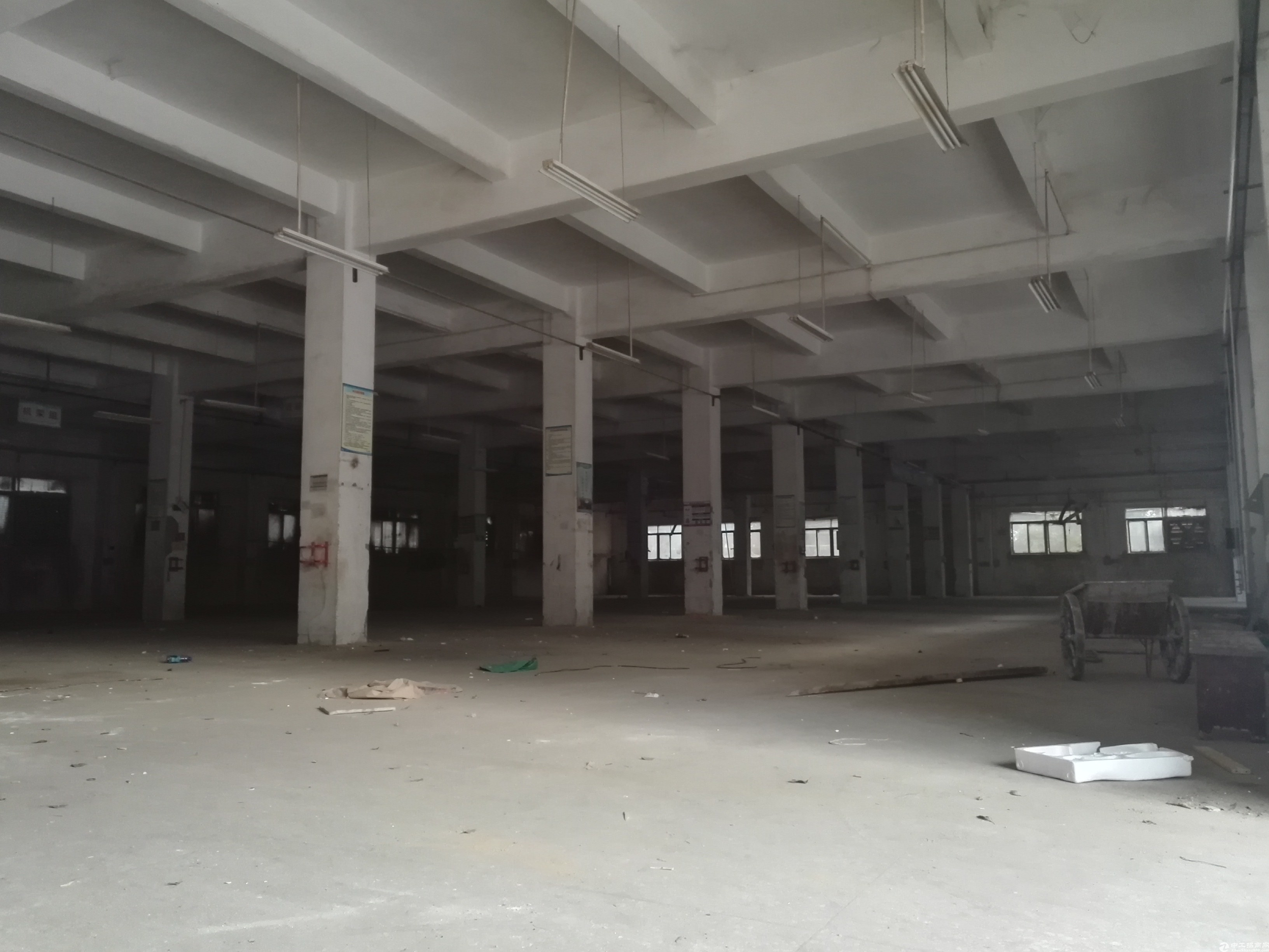 坪山新出独门独院15000平米原房东独门独院厂房实际面积出租