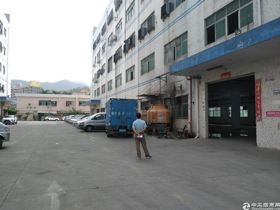 石岩北环楼上厂房300平米可做机械加工,模具加工,仓库