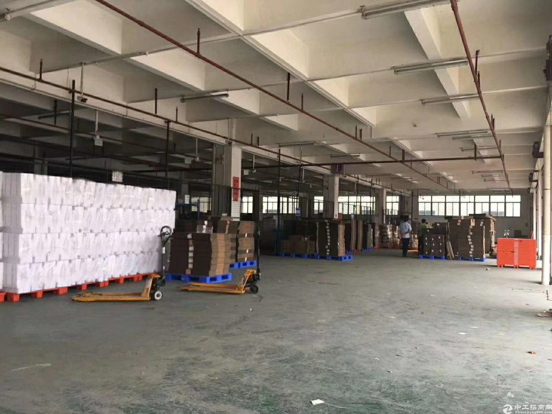 深圳顺丰物流仓库12000平转租,价格便宜21