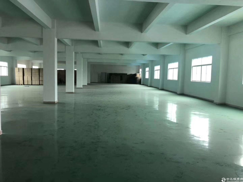 平湖山厦工业区村委厂房独院出租二三楼2100平方