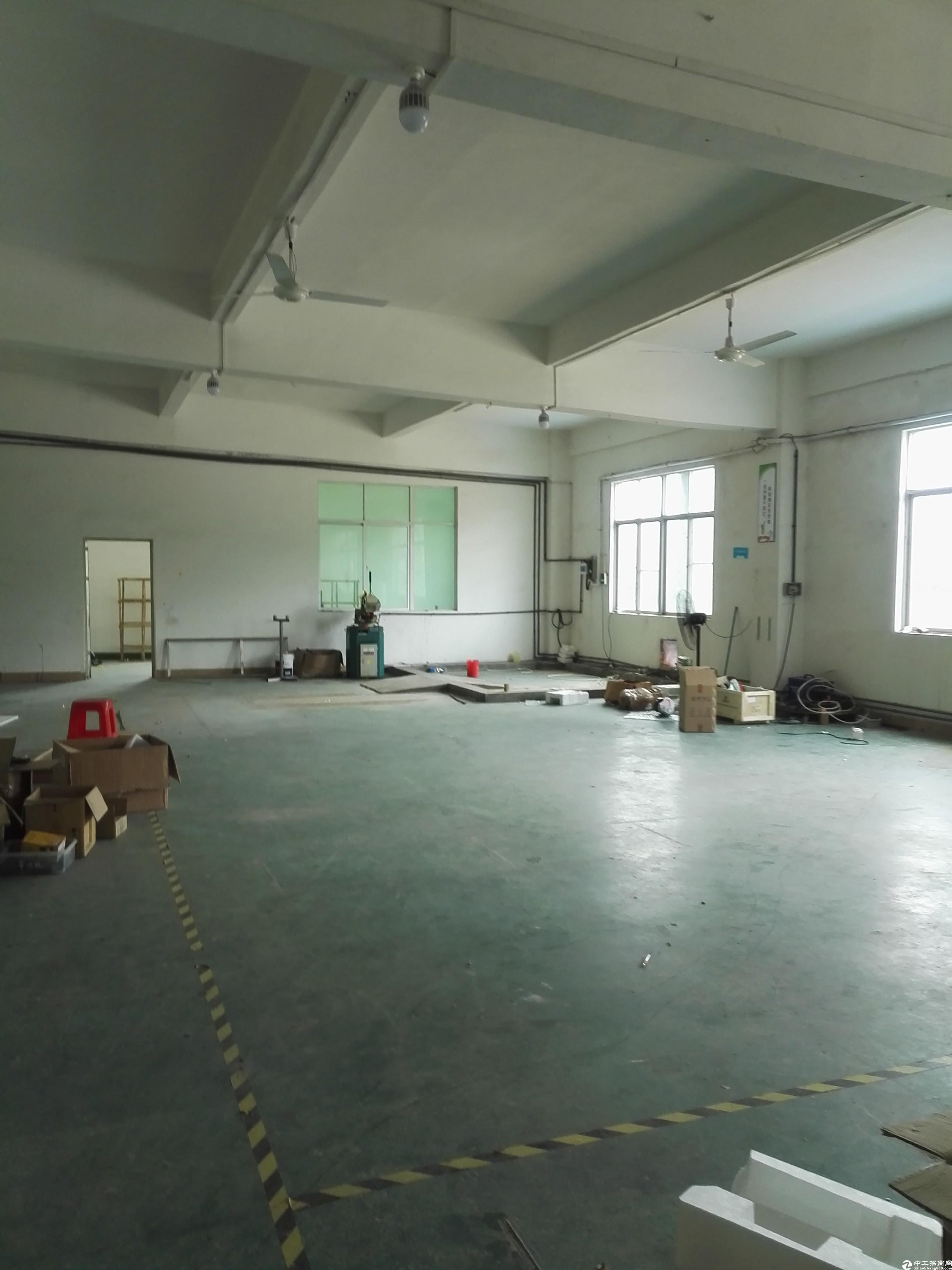 坪山碧岭工业区二楼400平米原房东自建厂房出租,面积实在