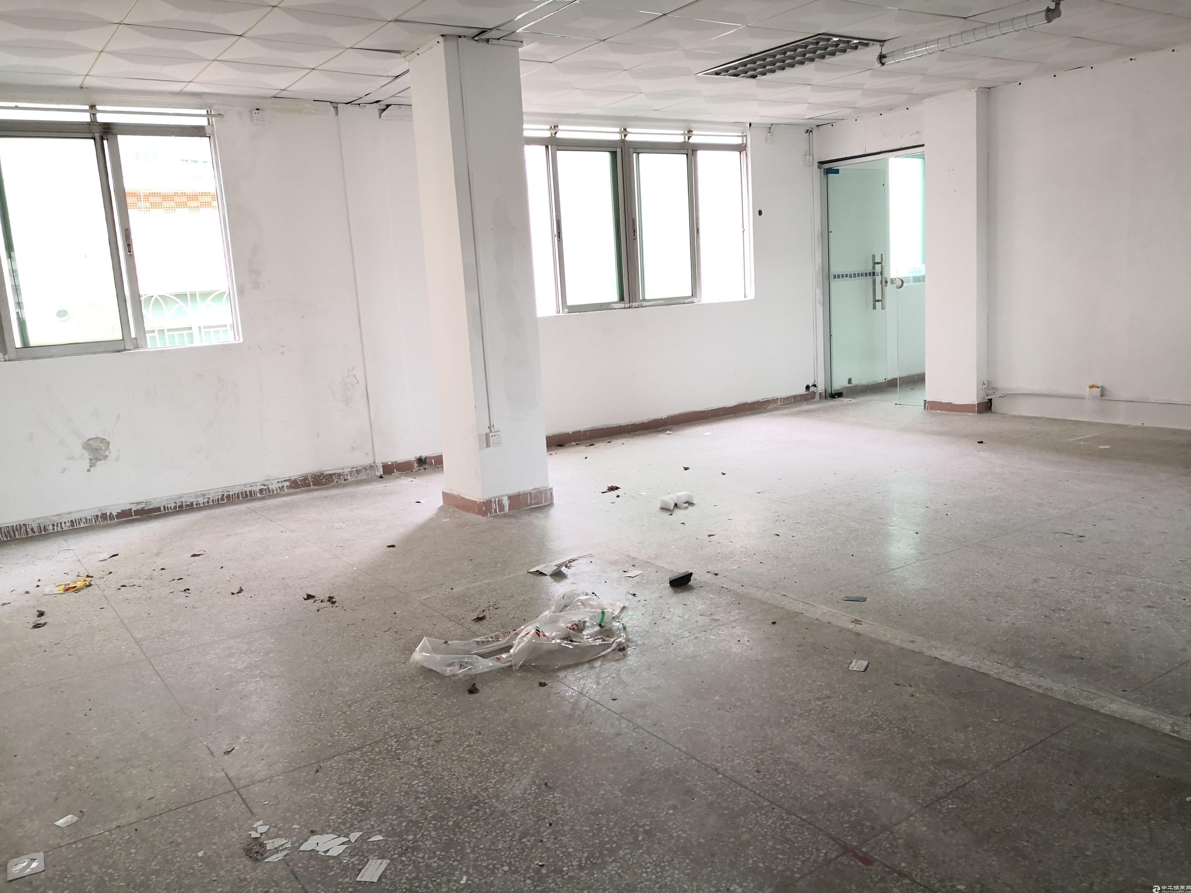 龙岗爱联新出二楼800平厂房带精装修报价17元水电齐全-图2