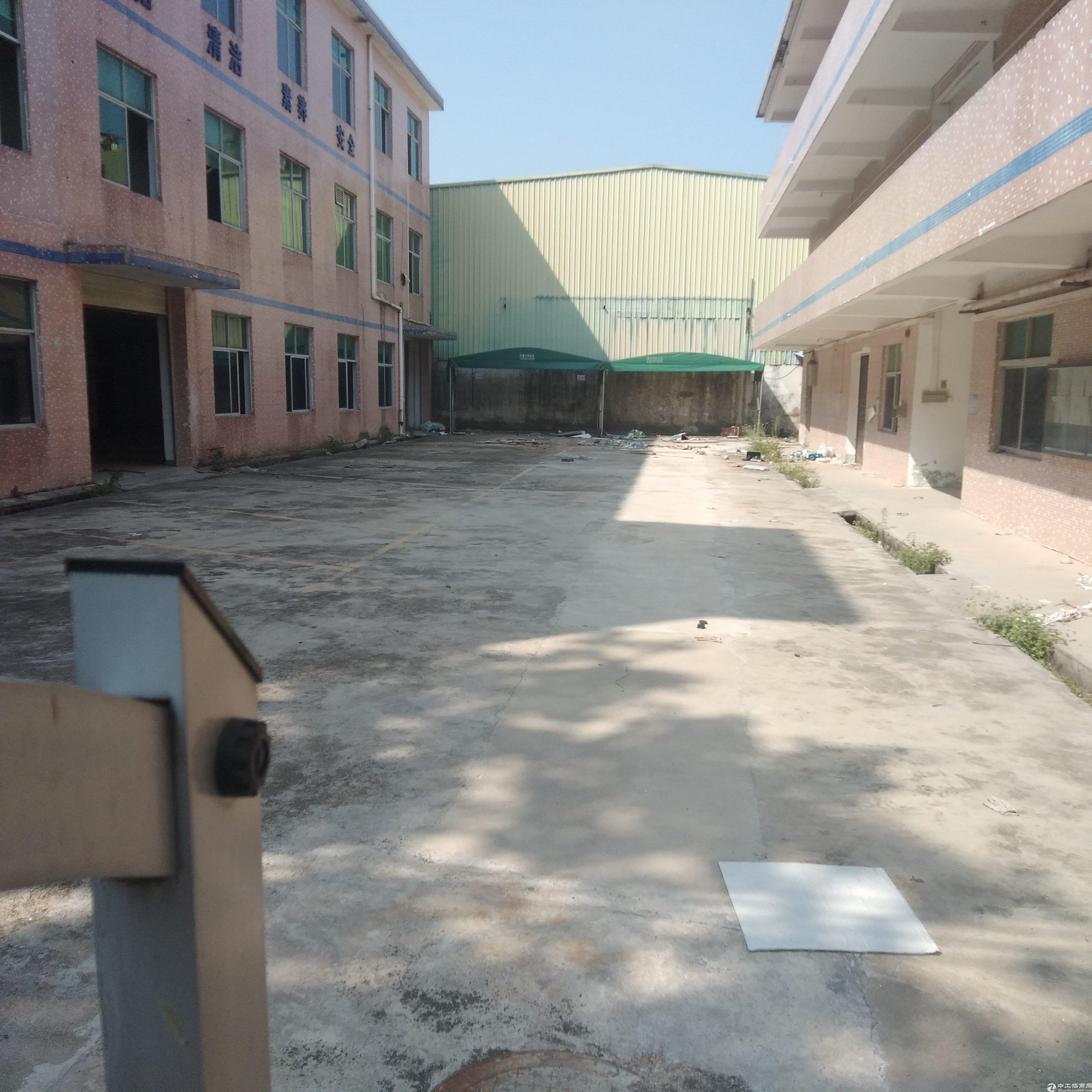 超长产权深圳范围,独院厂房5500平米特价出售
