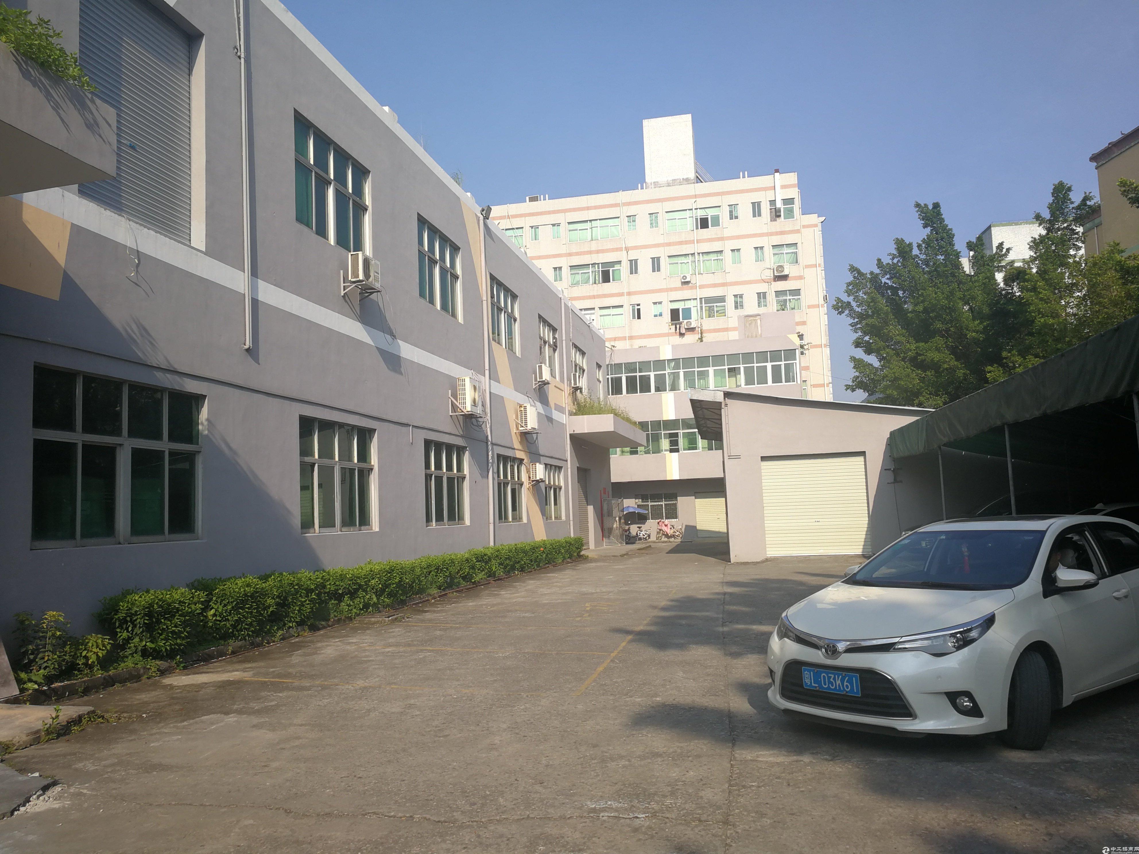 深圳横岗高速口4000平国有双证标准厂房出售!