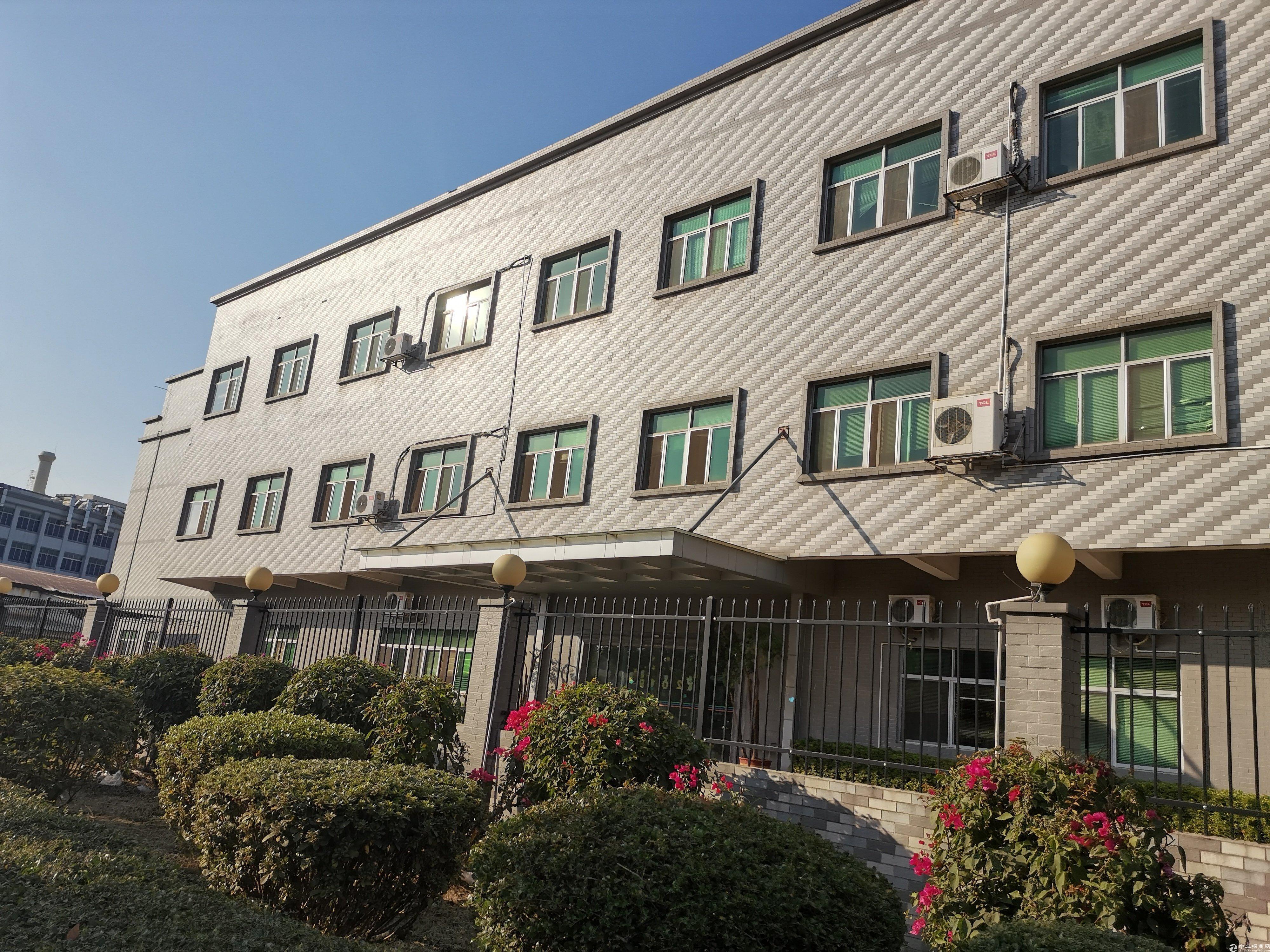 深圳花园式厂房,占地6500平,建筑7000平出售