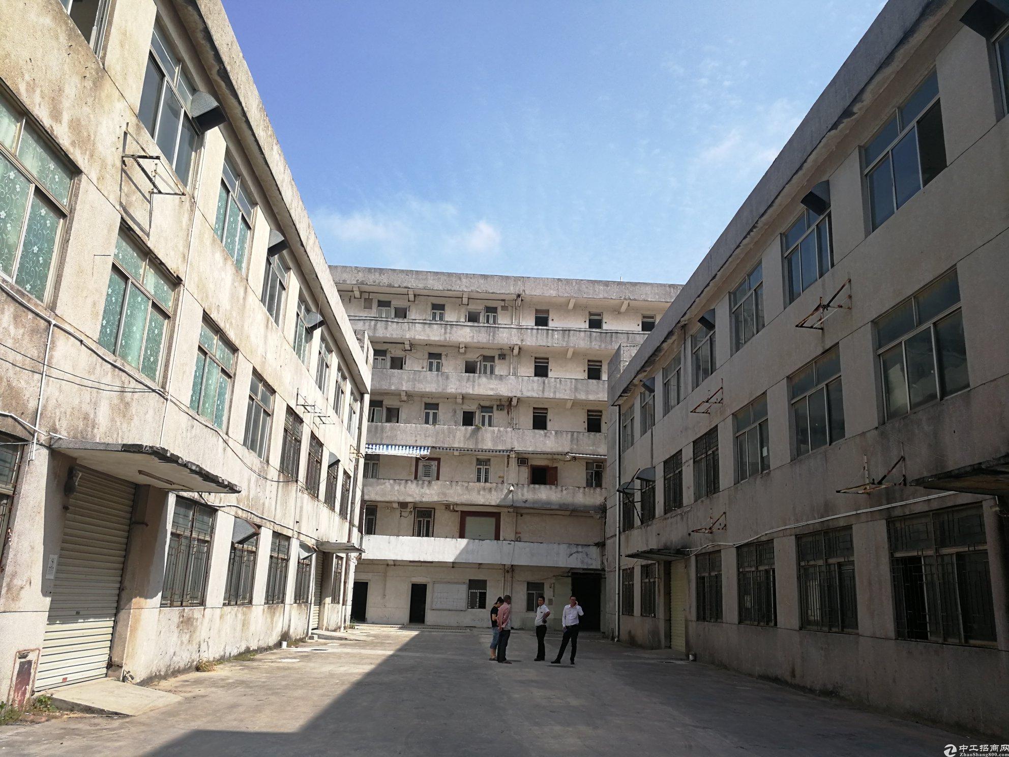 深圳横岗5378平独院国有证标准厂房出售