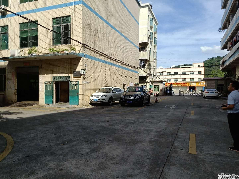 龙岗平湖山厦工业区三楼1800平方厂房出租