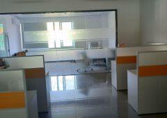 坪山中心区新出精装修写字楼110平,带办公家具