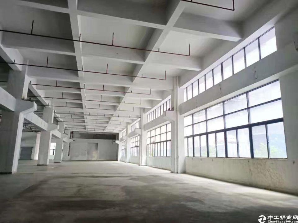 深圳龙岗镇建筑18000平优质厂房出售.位于坪地中心地段,
