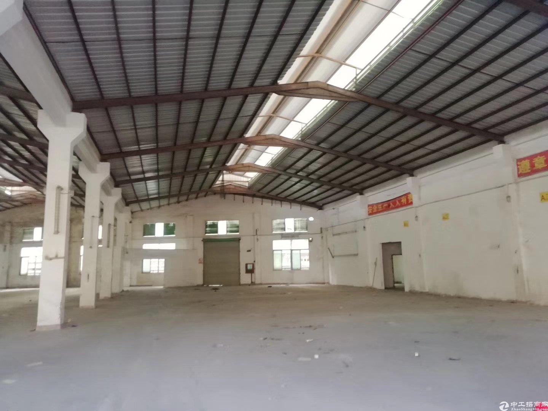 龙华观澜速出口物流仓3000平米出租。
