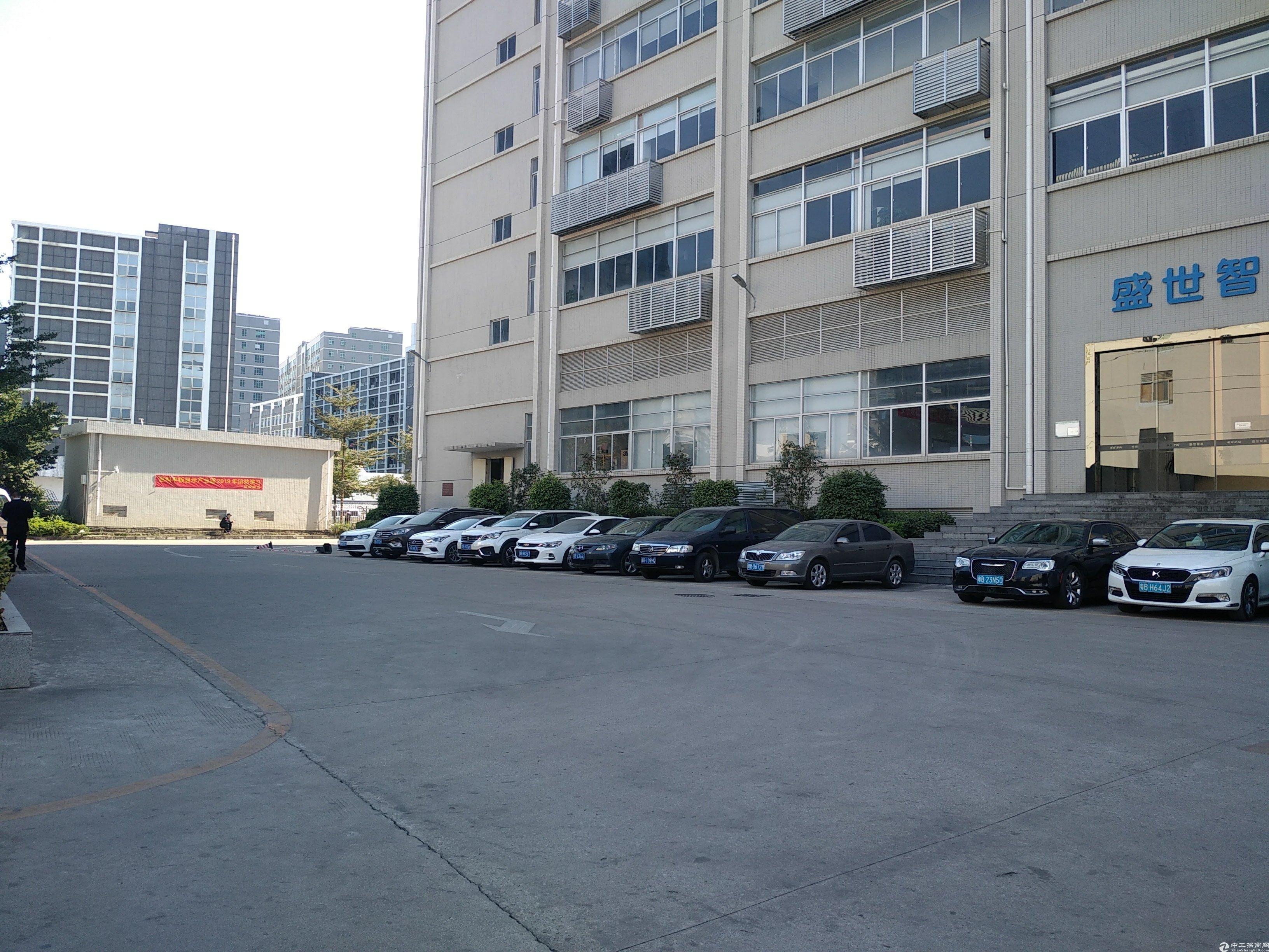 石岩石龙仔惠科4楼厂房550平米招租,有办公室装修