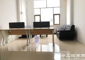 龙华汽车站精装办公室带全套家私卡座面积共2600打包出租图片2