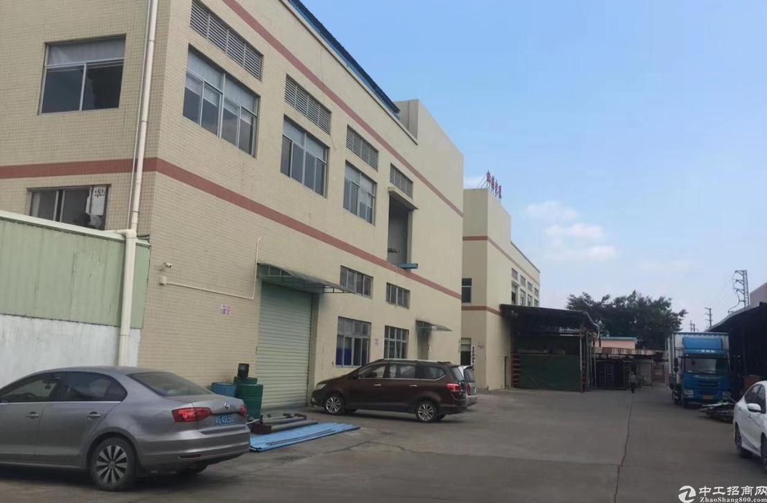 清溪镇罗马村新出二楼整层面积1500平方精装修厂房出租
