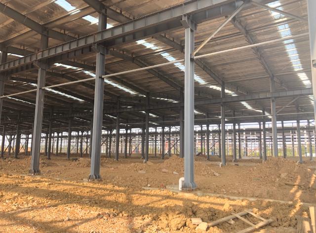 中牟工业园区域唯一可分割办证钢构厂房,可装10吨行吊