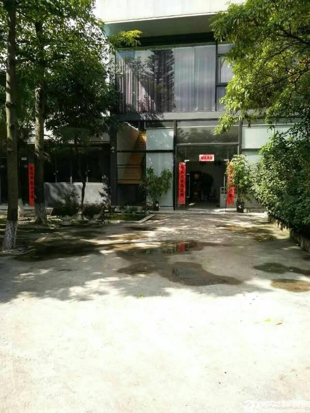 大岭山镇杨屋村107国道边独院钢结构万博app官方下载3800平方米出租