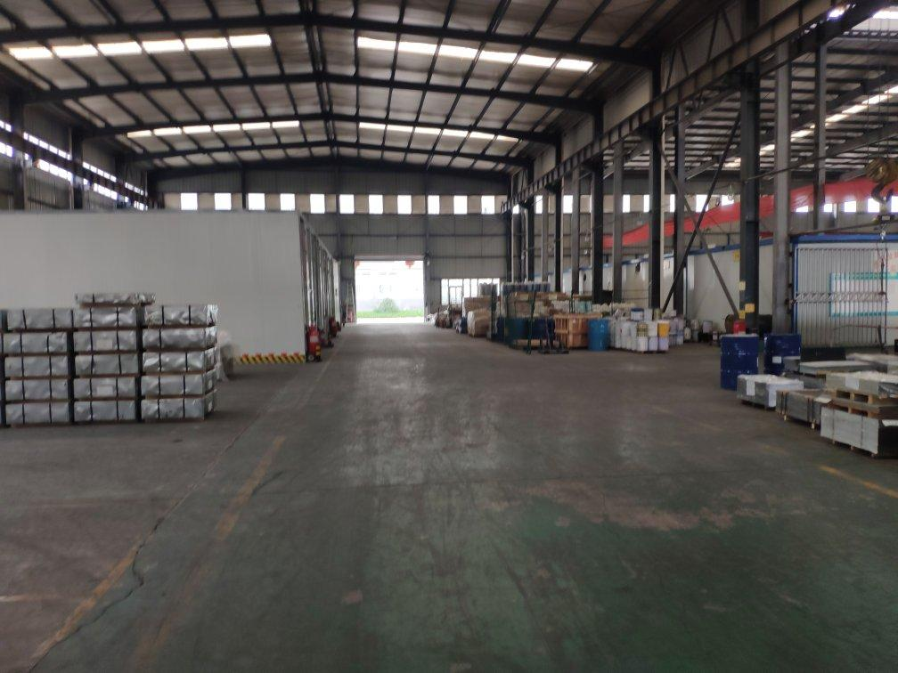 丰县王沟镇工业园,厂房出租带行车,1800平