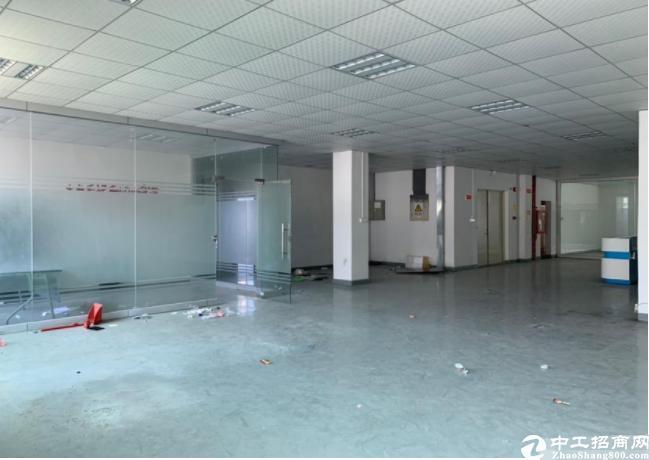 坪山龙田新出红本厂房楼上带装修1080平方招租、