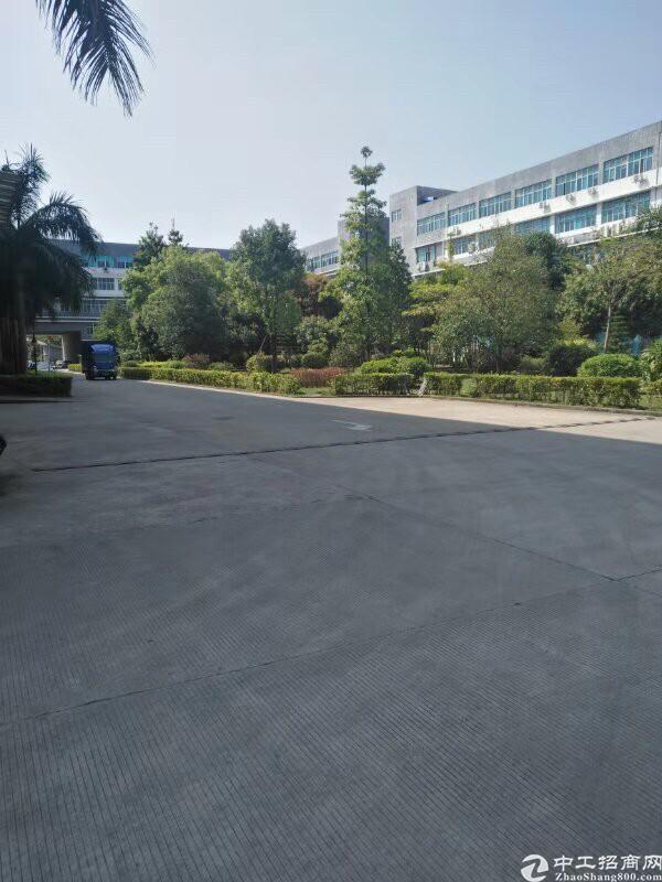 坪山大工业区新出原房东一二楼2400平厂房出租有红本有环评。