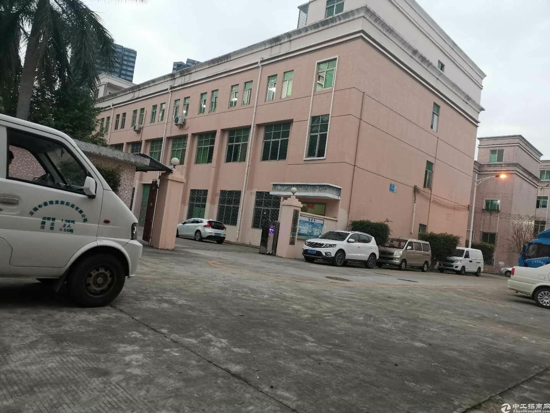 主干道旁边独院厂房6800平米出售